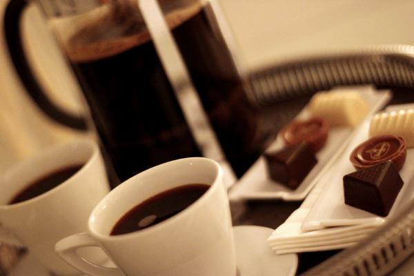 Og kaffen nydes på værelset med udsigt over Flensburg Fjord...