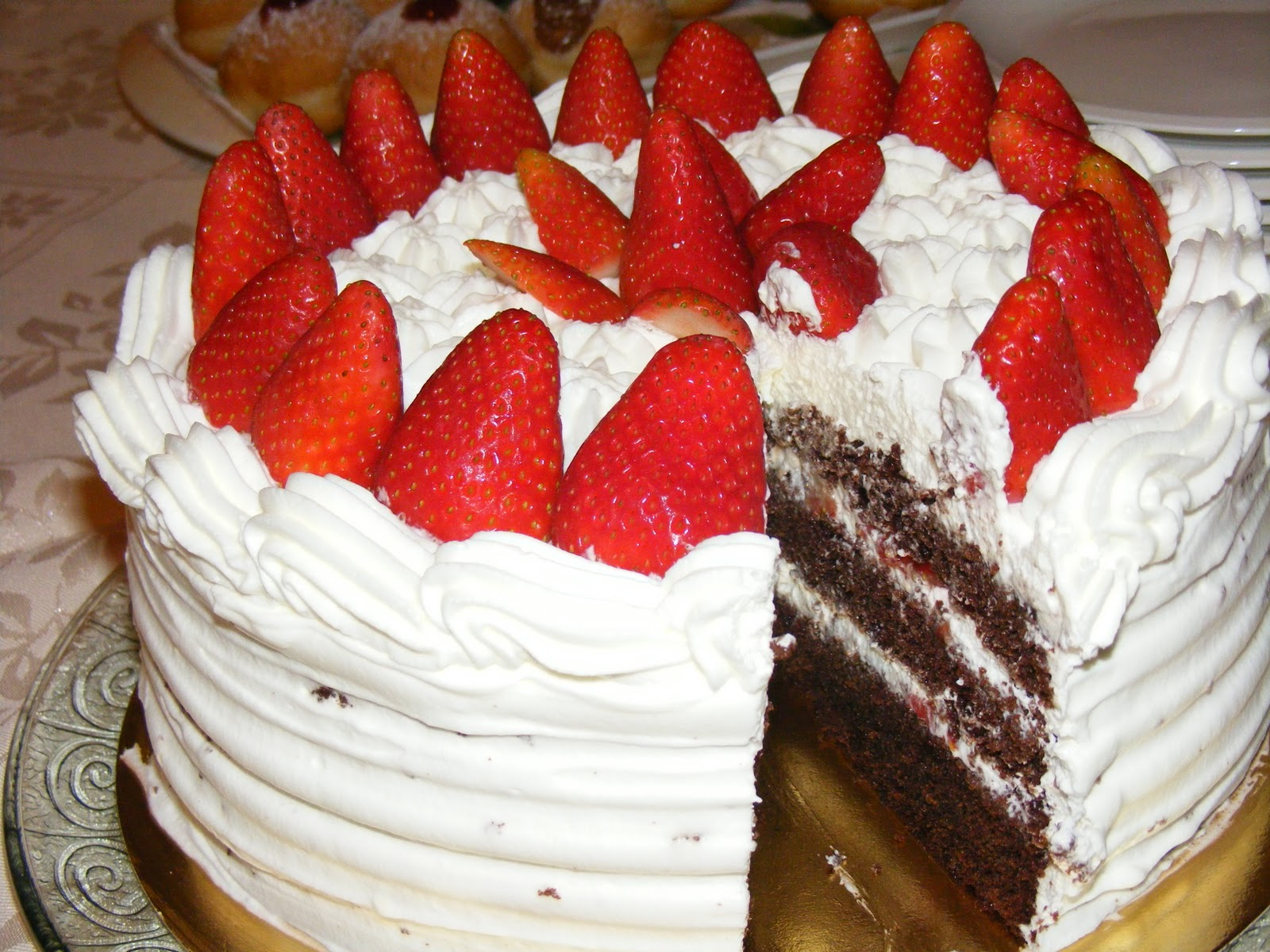 Creme Chantilly Decoration Gateau Layer Cake Fraises Chocolat Et Chantilly Au Mascarpone