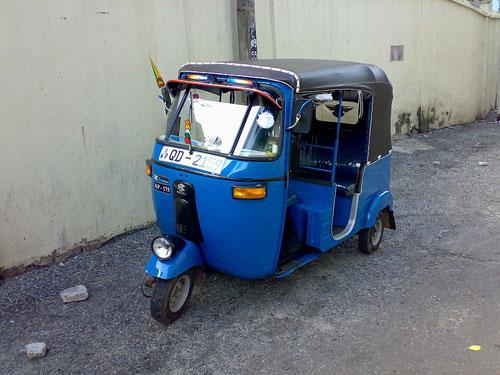Colombo Transportation: Tuk Tuk