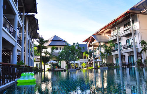 Phuket Hotels with Pool Access: Navatara Phuket Resort