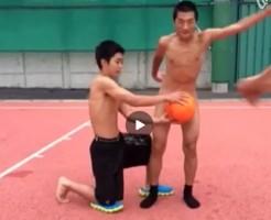 【Vine動画】スリ筋男子がタオルを取ったのに…隣からボールで隠されちゃった…残念ww