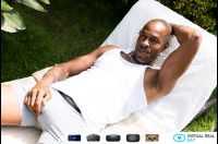 【ゲイVR動画】坊主頭の筋肉系黒人男性がズボンの上からでも分かる巨根ペニスをしごいて挑発!浮き上がる亀頭のラインがヤラしすぎ…!