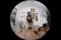 【ゲイVR動画】ぽっちゃり巨乳の覆面女に手錠拘束されてペニスをいじいじ手コキされたら…?タマや裏スジを触られて…!