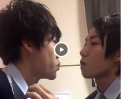 【Vine動画】ポッキーゲームからのディープキスは甘い味!イケメン同士のベロチューを見よ!w
