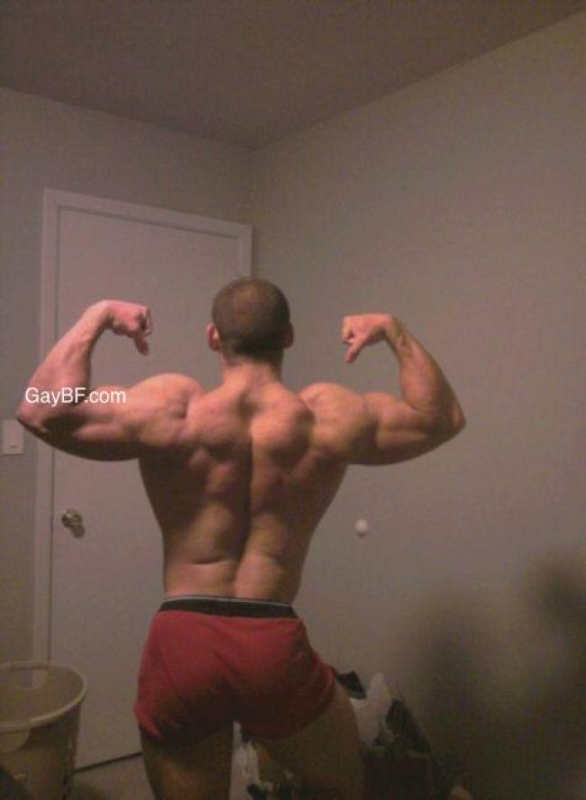 Gay Muscle Porn & Naked Gay Men