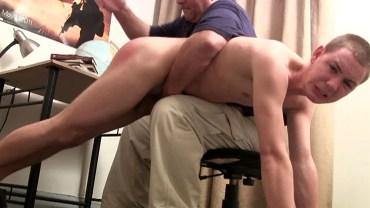 Guy sucks shemale creampie tubes