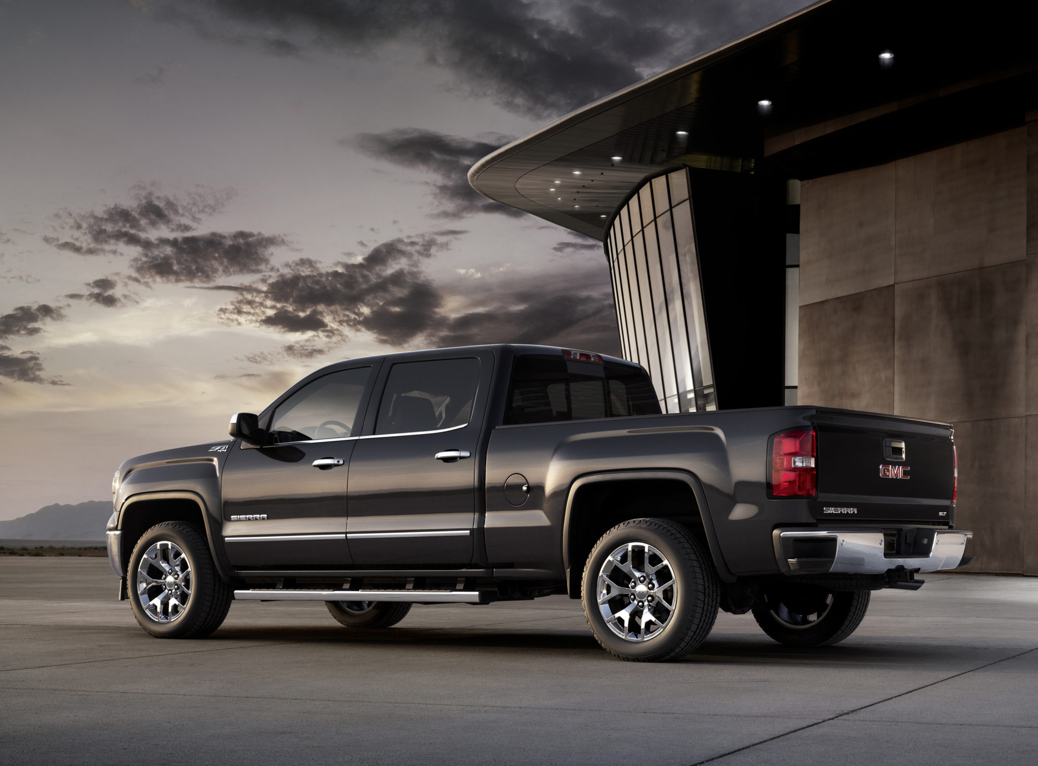 2014 GMC Sierra SLT Crew Cab in Iridium Metallic