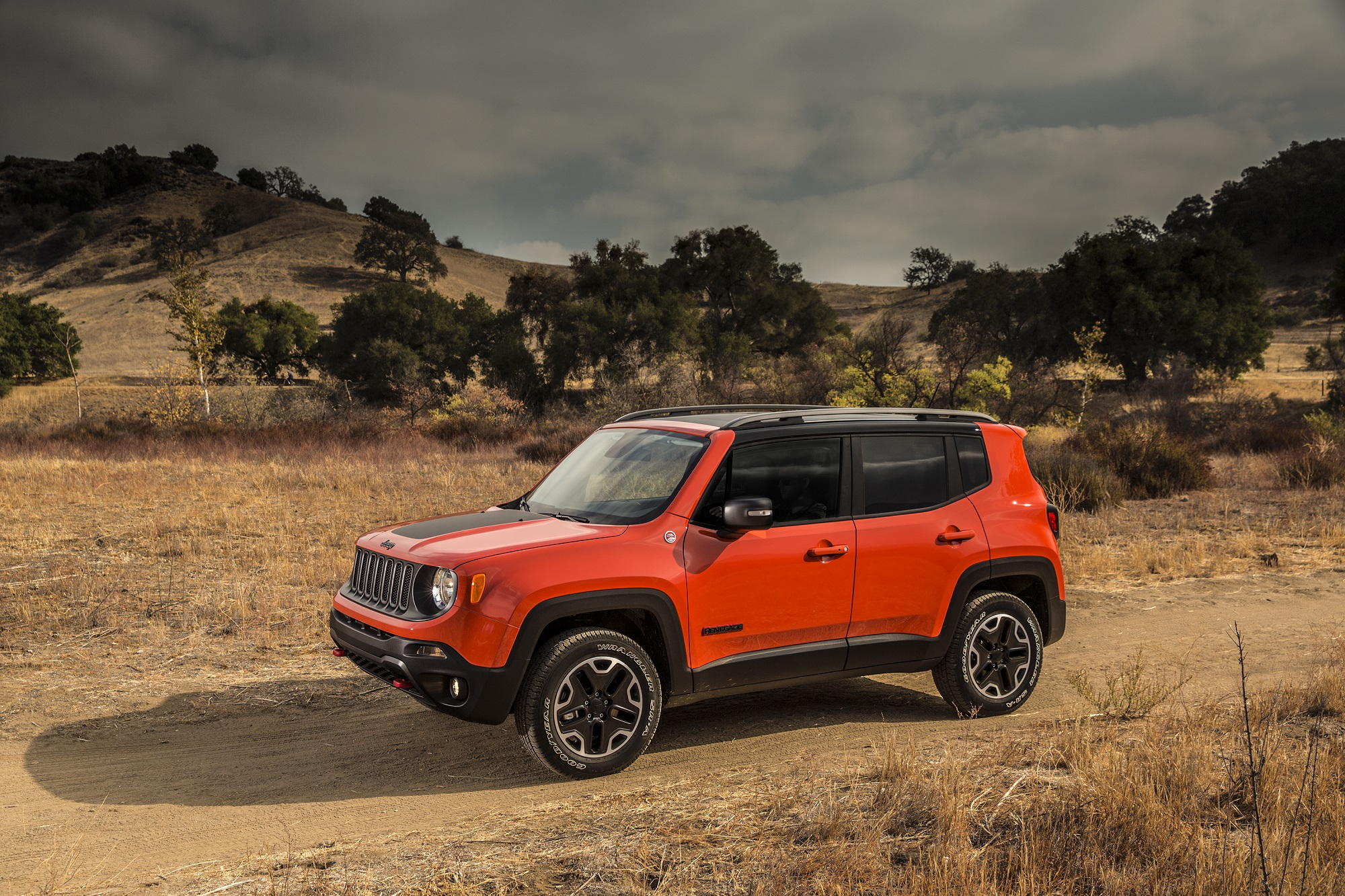 2016 jeep renegade trailhawk 4 4 strong enough for a man. Black Bedroom Furniture Sets. Home Design Ideas