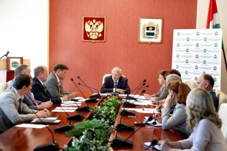 Депутаты намерены добиться введения платы за проезд  большегрузного  транспорта по региональным дорогам