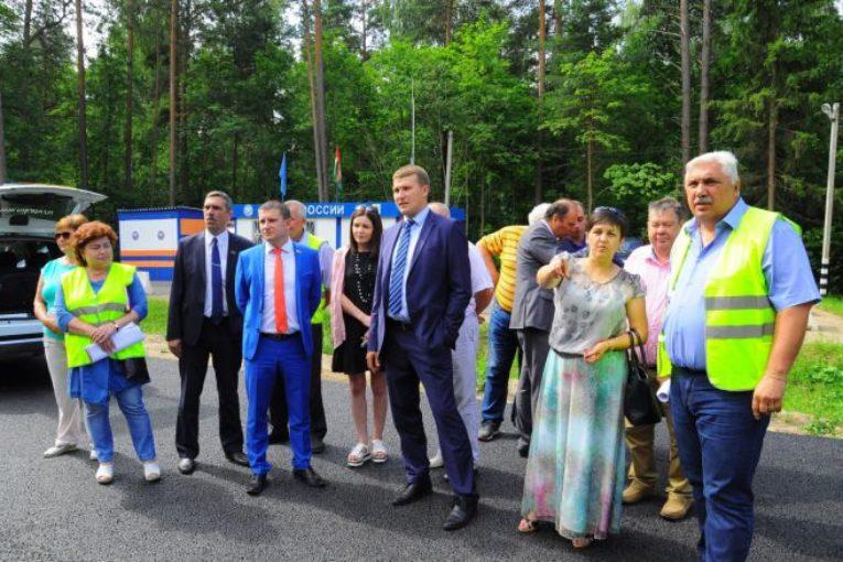 В Дзержинском и Медынском районах проверили качество ремонта дорог