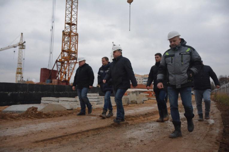 Белорусские застройщики завершают строительство детского сада в Малоярославце и продолжают работы в Балабанове