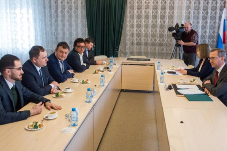 Владислав Шапша встретился с жителями региона, вышедшими в полуфинал третьего  Всероссийского конкурса управленцев «Лидеры России 2020»