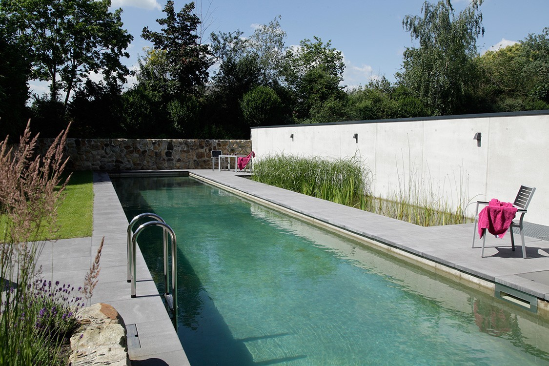 Sichtbetonpool Biotop - Bio Pool Constructed Of Watertight Exposed Concrete