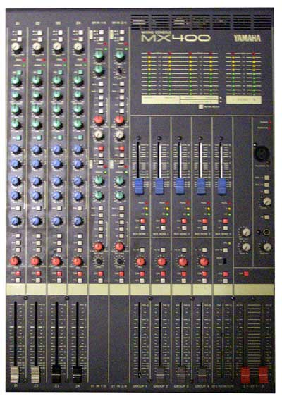 Led. Yamaha Mx400 24 Channel Live Or Recording Mixing Console