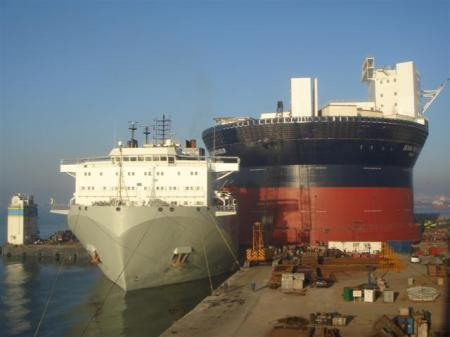 Heavy Lift of FPSO by Sevan Voyager