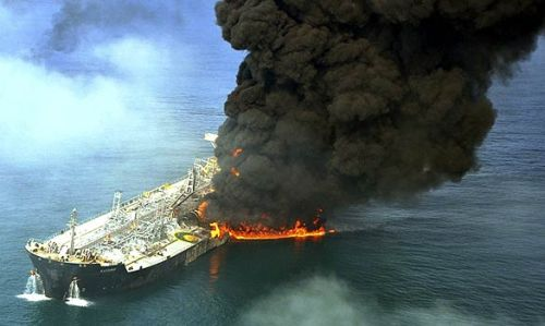 Chemical anker Kashmir on fire off the coast of Dubai