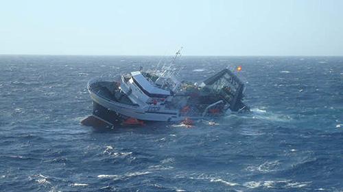 monte-galineiro-Canadian Fishing Trawler Sinking
