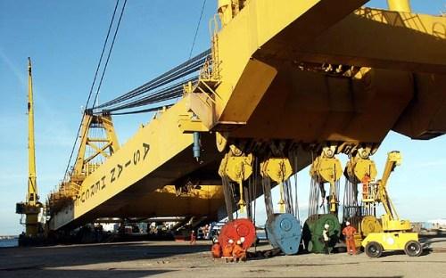 Shipyard Crane Asian Hercules