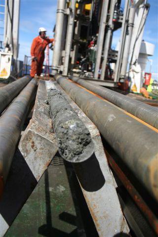 drill core coring drilling rock