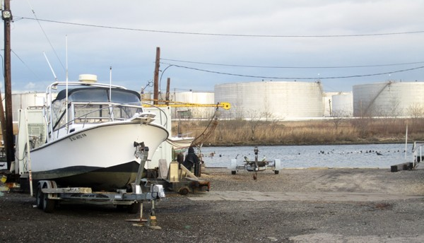 oil terminal storage tanks small boat