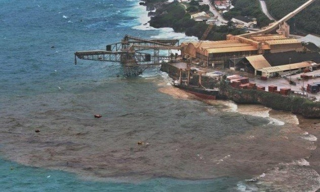 mv Tycoon Oil Slick - Christmas Island Australia