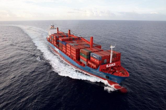 TEU containership Aliança Santos hamburg sud