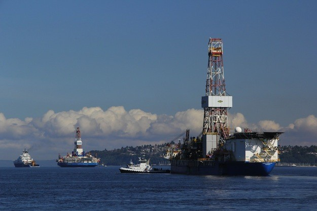 Shell rigs leave Seattle in June 2012 to start what Photo: Vigor