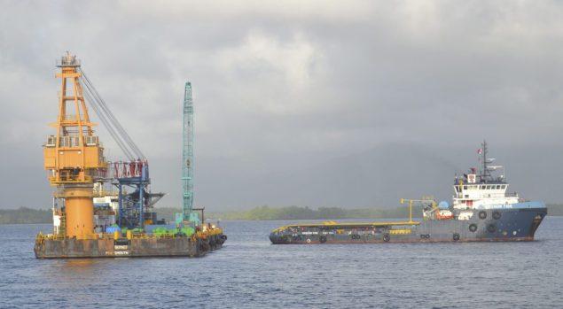 smit borneo crane barge