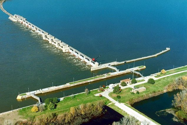 1990 aerial photo of Lock and Dam 18 on the Mississippi River, New Boston, Illinois.