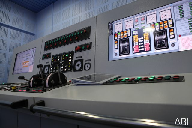 Engine room and power management simulator