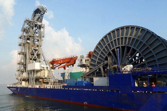 lv105 pipelay vessel mcdermott