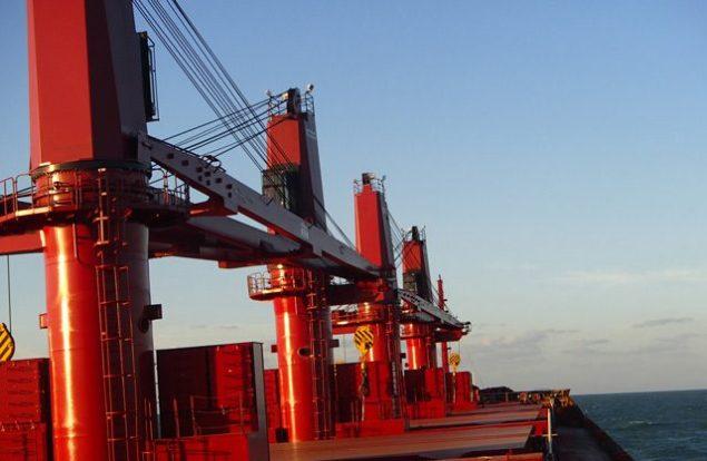 macgregor bulk carrier cranes