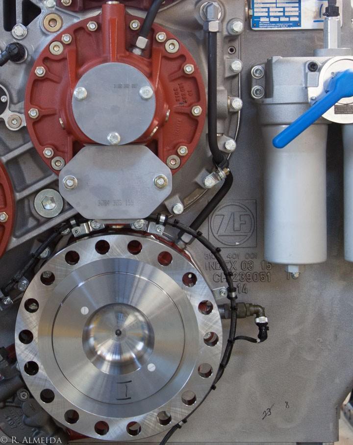 zf friedrichshafen transmission gears marine engineering gears