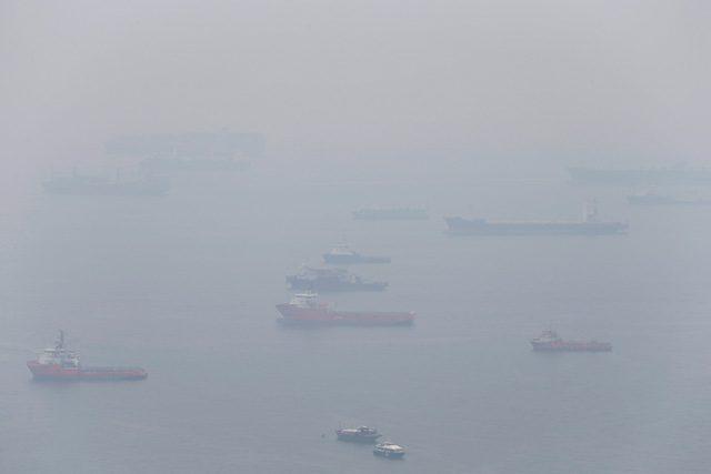 singapore ships haze environment emissions smoke