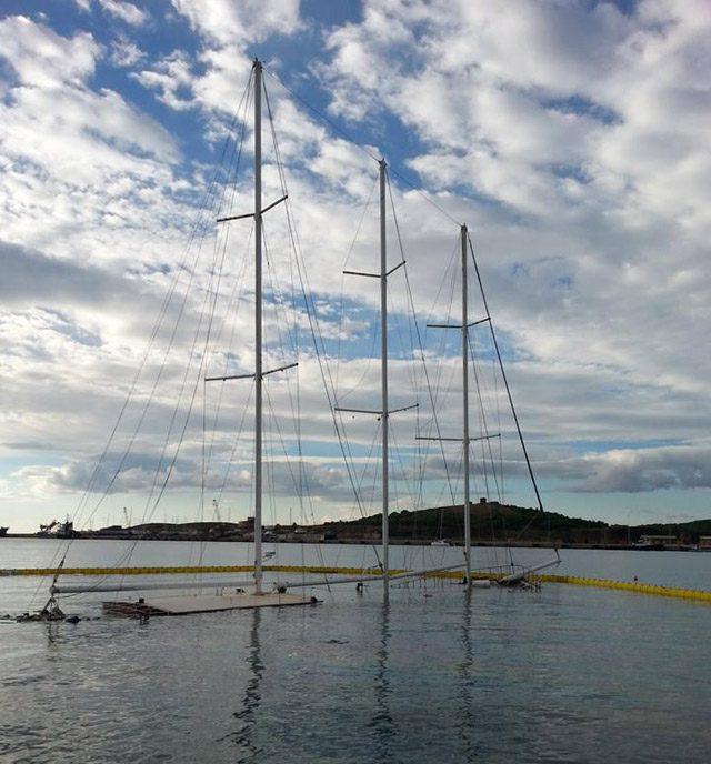 h&b 1 schooner sinks