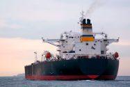 U.S. Senators Near Deal to Lift Oil Export Ban