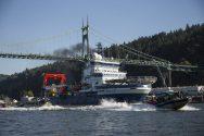 WATCH: Shell Icebreaker Threads Bridge Hanger's Barricade