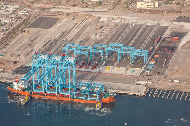 150930 v2 APM Terminals Lazaro Cardenas Mexico receives new cranes (1)