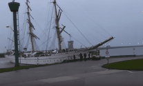 WATCH: Tall Ship Gorch Fock Shows How Not to Make an Entrance
