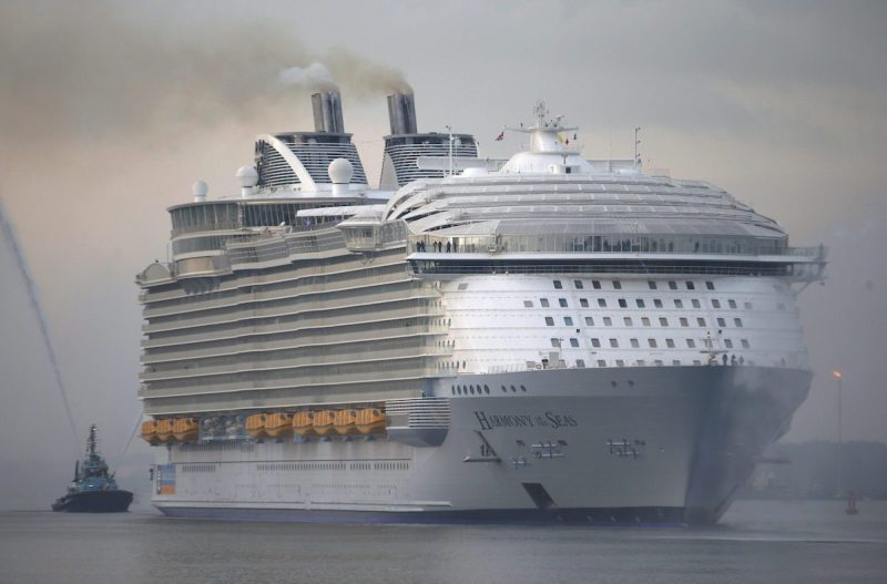 The worlds largest cruise ship, Harmony of the Seas, arrives in port for her mayden voyage, in Southampton, Britain May 17, 2016. REUTERS/Peter Nicholls
