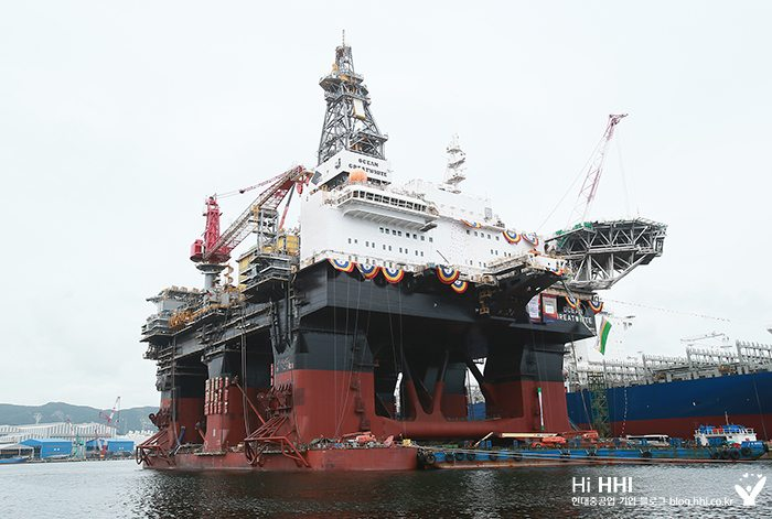 Semi-submersible drilling rig Ocean Greatwhite. Photo: HHI