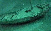 Underwater Photo of Great Lakes sloop Washington starboard side