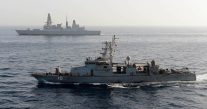 More Iranian Fast Attack Crafts 'Harasses' U.S. Navy Ship in Persian Gulf