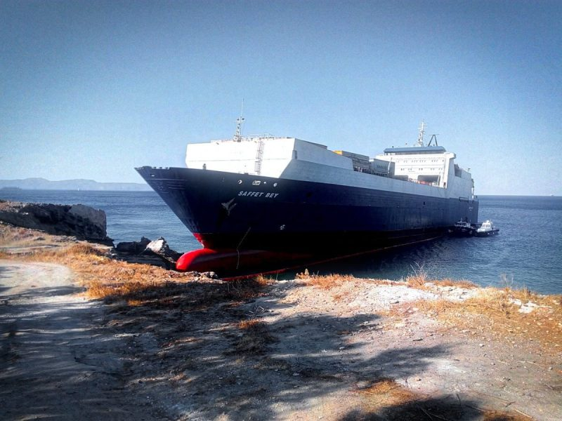 saffet-bay-aground-greece