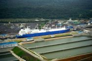 Ship Photos of the Day – Teekay LNG Carrier 'Oak Spirit' Transits Panama Canal