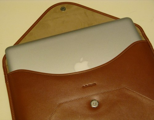geardiary_beyzacases_macbook_air_thinvelope_11
