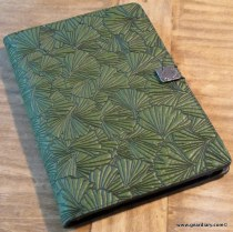 Gear Diary The Oberon Design Kindle DX Cover Review photo