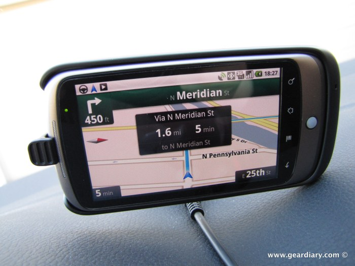 google_nexus_one_car_dock_16