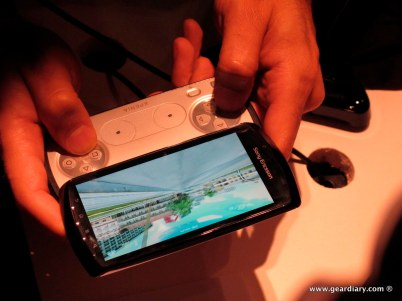 geardiary-chipchick-sony-ericsson-mobile-word-congree-pro-neo-play-101