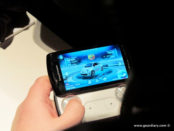 geardiary-chipchick-sony-ericsson-mobile-word-congree-pro-neo-play-103
